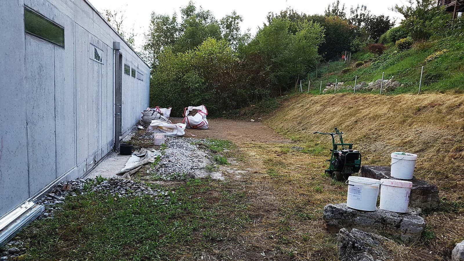 Vorbereitungen für Terrassengestaltung und Steingarten